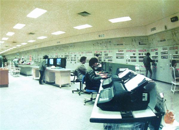 80万吨年芳烃联合装置主控室,中国石化扬子石油化工有限公司