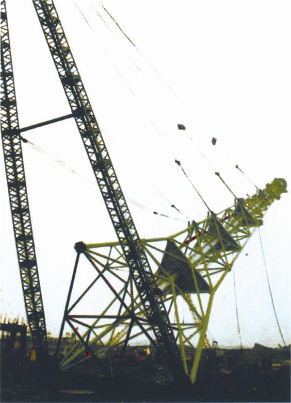 A型桅杆扳立中国石化公司火炬塔