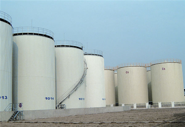 12000m³ Food Oil Tank Erection  Yizheng Yijiang Food and Oil Industry Co., Ltd.